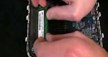 Video-Anleitung: Festplatte (HDD) und Arbeitsspeicher (RAM) in Mac Mini (Intel) einbauen